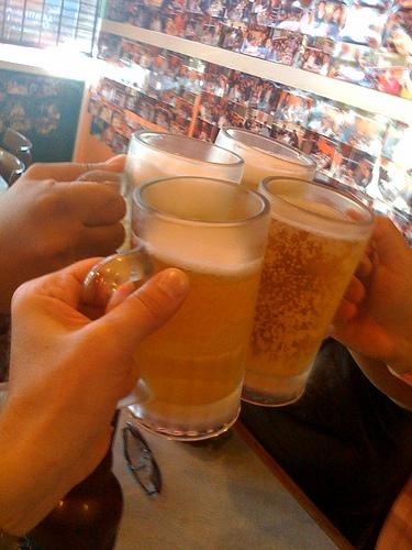 110721beer_cheers