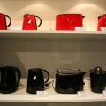 黒と赤の調理家電