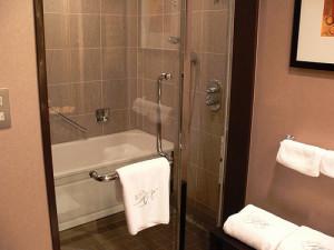 ロイヤルパークホテルのバスルーム